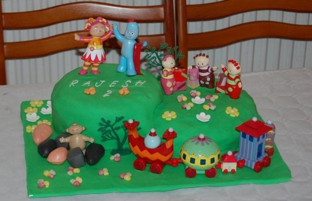 Home cooked eggless cakes for In the night garden cakes designs